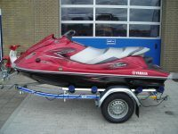 Rode Waverunner met Kalff trailer